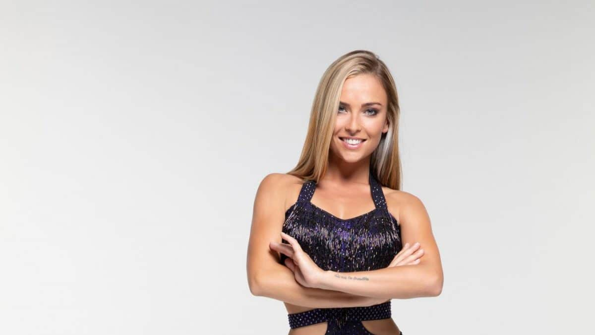 La danseuse professionnelle de Danse avec les stars Inès Vandamme victime d'un accident de moto!
