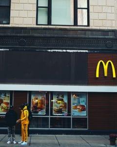 McDonald's a diffusé une photo assez énigmatique pour la rentrée : vers de nouveaux produits commercialisés ?