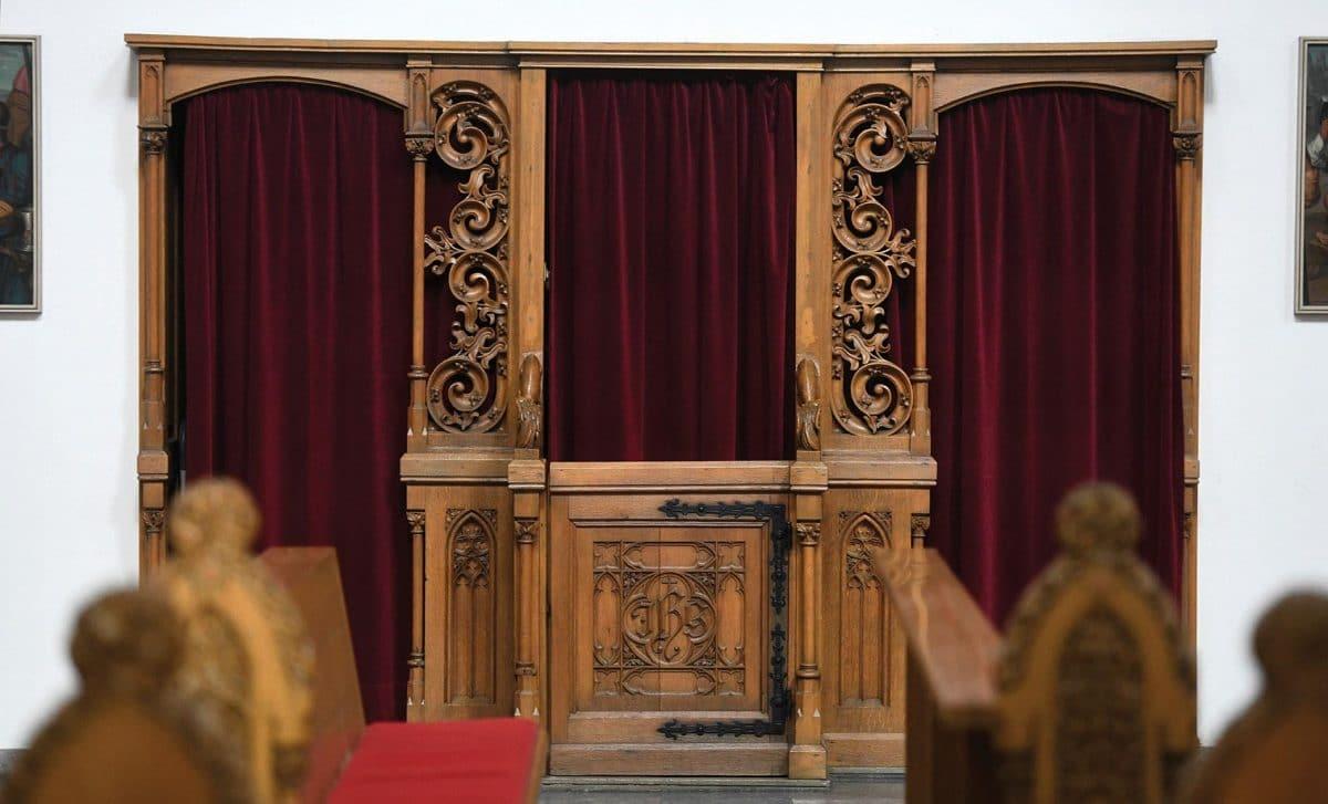 Le patron des évêques de France invité à faire la lumière sur le concept du secret de confession!